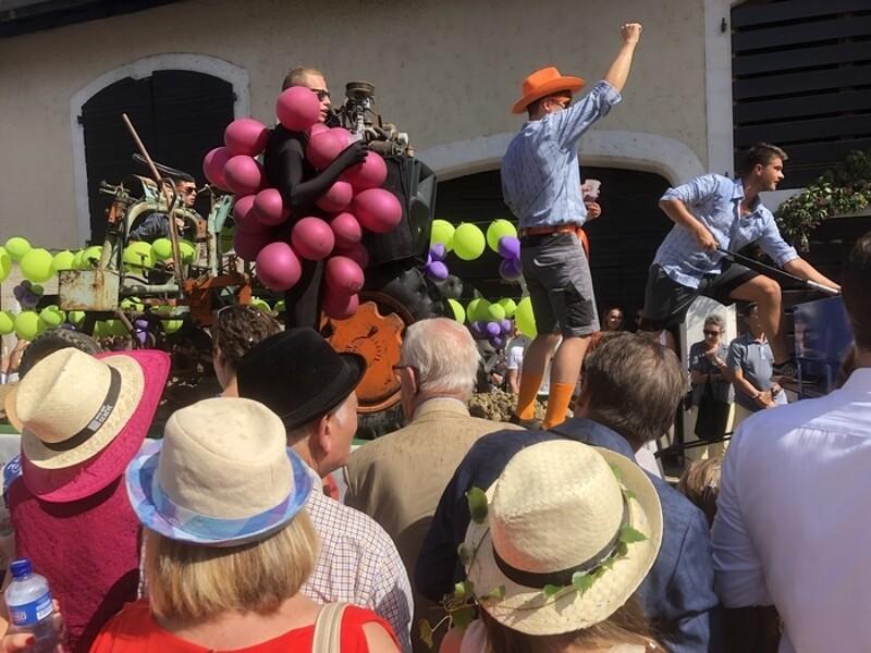 u cœur du vignoble du Mandement, c'est la traditionnelle rencontre de la ville et de la campagne pour une découverte gustative et œnologique du terroir genevois